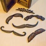 02_moustaches